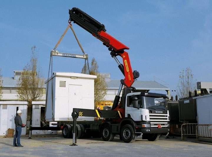 Alquiler camion pluma con conductor Burgos