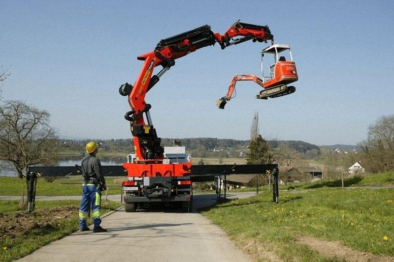Alquiler de camion pluma con conductor en Burgos
