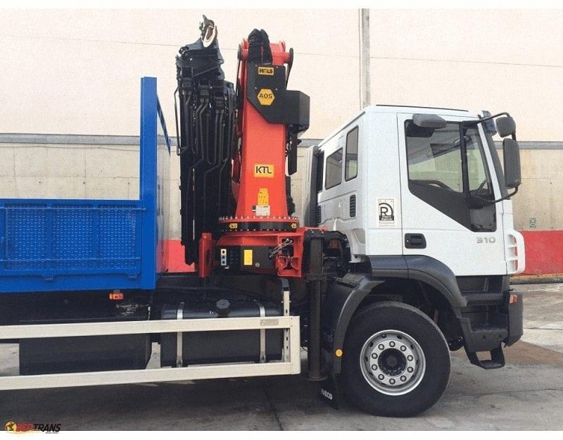 Alquiler de camiones grua de carga en Burgos