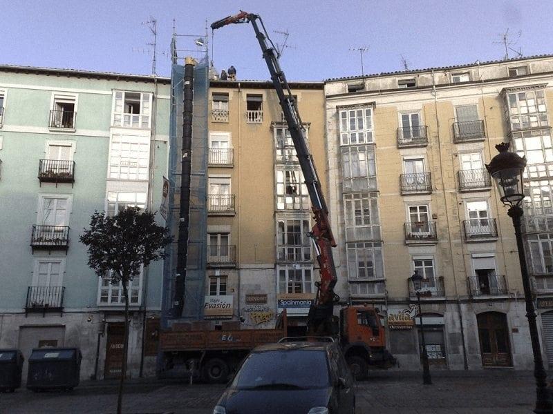 Alquiler gruas moviles sobre camiones en Burgos