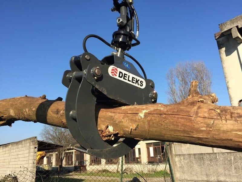 Camion con pulpo para la recogida de podas en Burgos