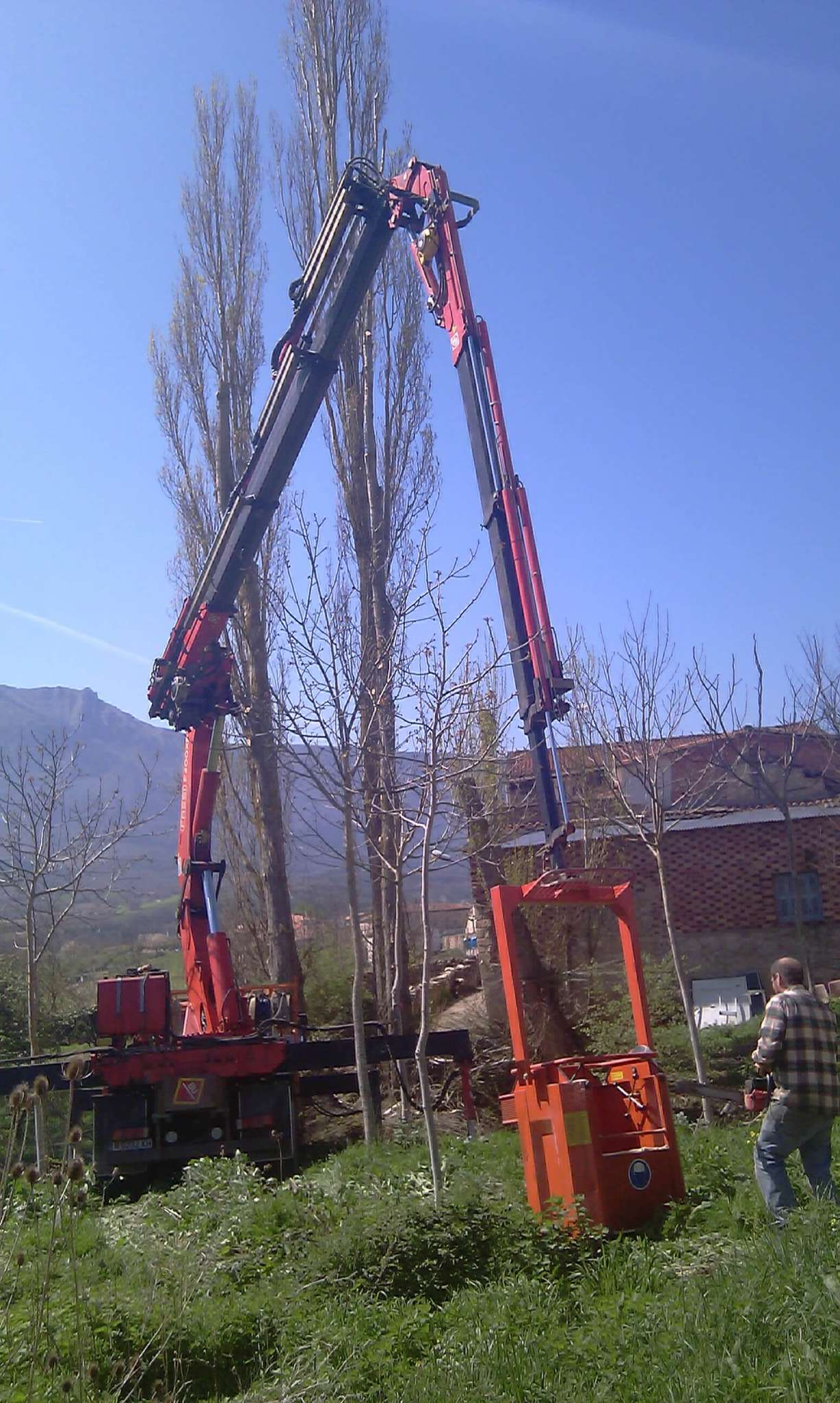 Empresas con camion grua giratoria en Burgos