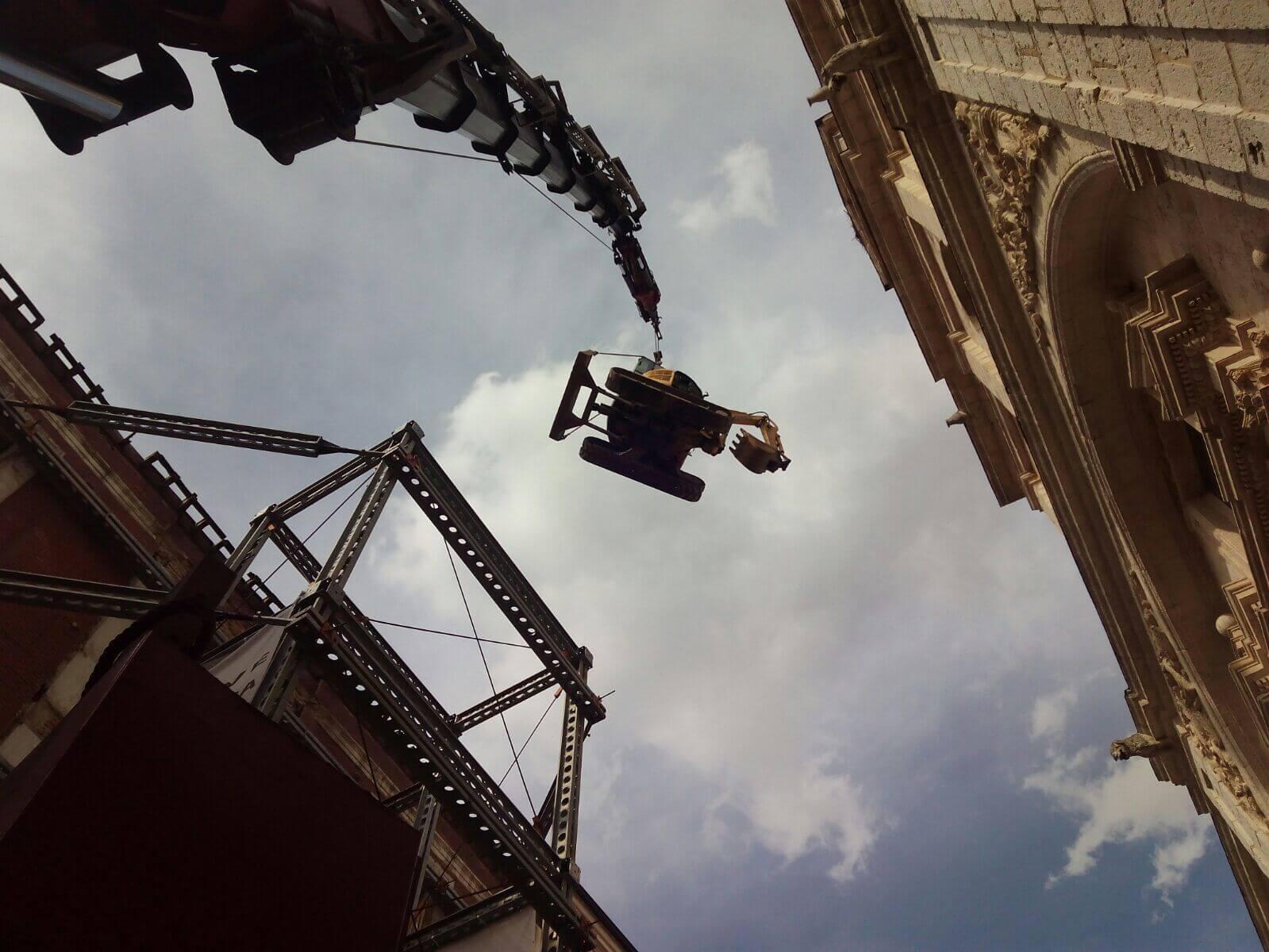 Gruas sobre orugas con pluma de celosia en Burgos