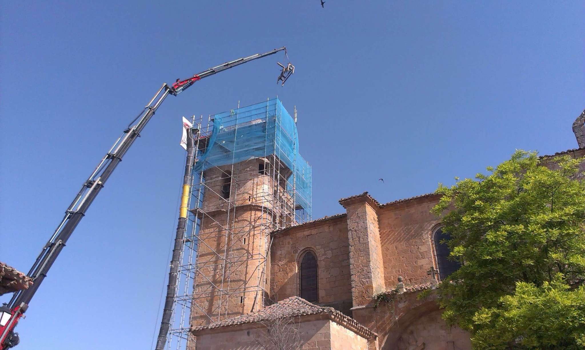 Trabajos Montaje de camiones grua en Burgos