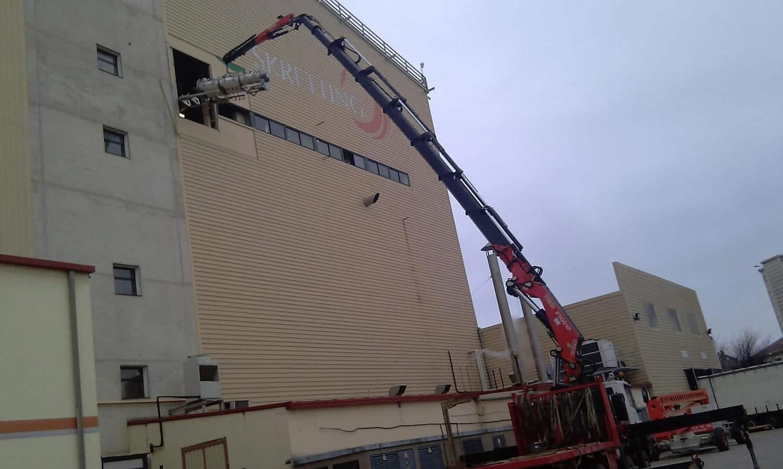 Transporte y manipulacion de maquinaria industrial en Burgos